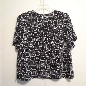 Black and white blouse by Notations size 18W